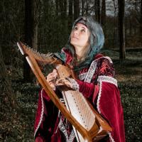 Avatar Chris Lunatis - Sängerin mit keltischer Harfe und Gitarre